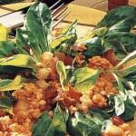 Салат с грудинкой и чечевицей