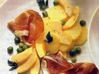 Салат из дыни, окорока и картофеля
